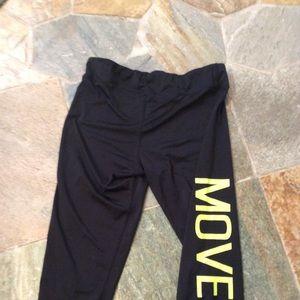 Capri yoga workout pants Sz L